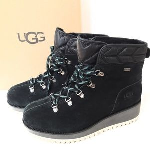 New UGG Birch Boots Size 9